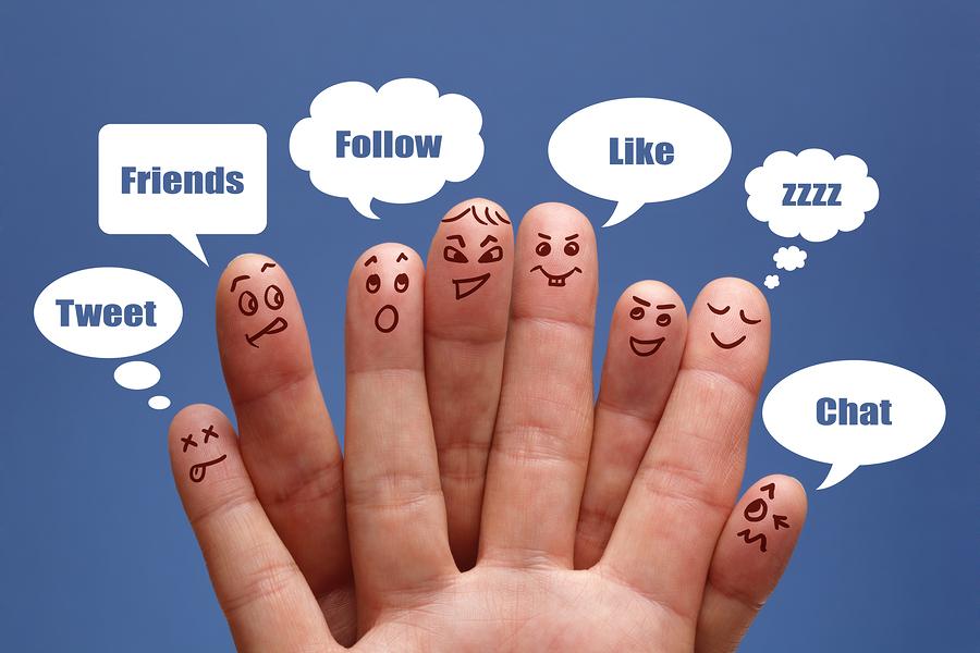 social-media-marketing-fingers